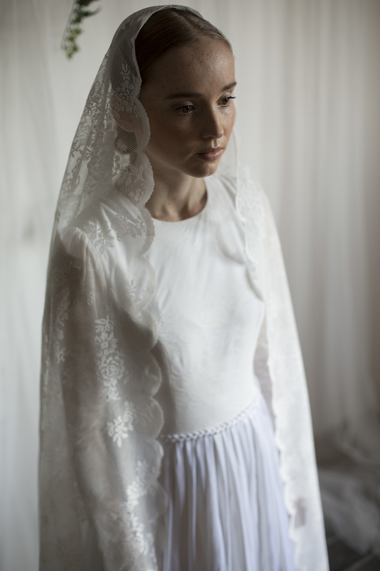 Braut im Kleid von Femkit